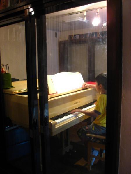 22+August+2008 たろのピアノ4
