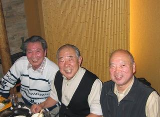 右から菅原さん、長橋父、市川さん