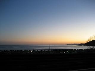 東名高速由比ガ浜付近