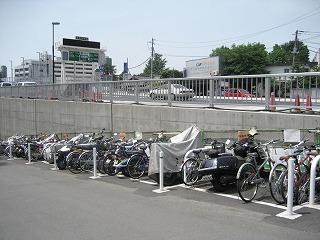 自転車置き場を有料に。