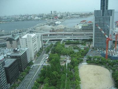 市役所から神戸税関・海側