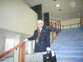 新中央図書館の中央階段
