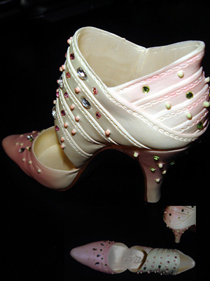 PINKSHOE2.jpg