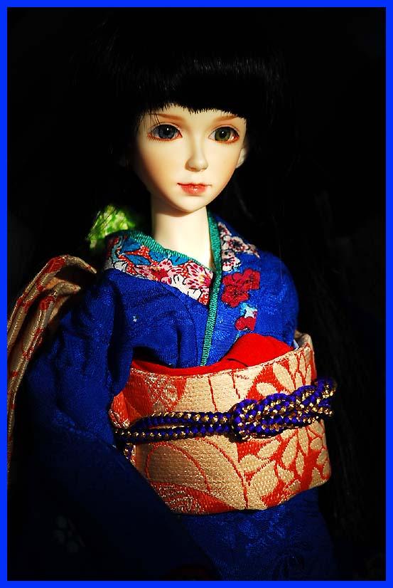 kiku_kimono.jpg