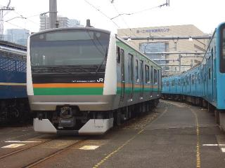 東海道E233