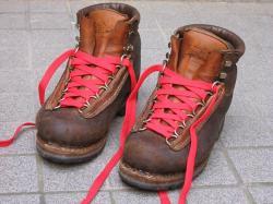 本格登山靴