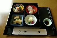 松花堂弁当の例