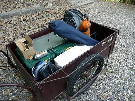 リヤカーに荷物