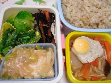 090317病院弁当(めかじきの味噌煮)