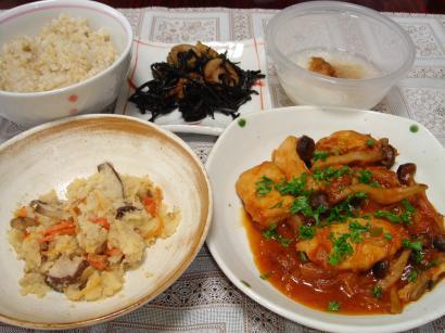 090513鶏のトマト煮、ひじき、おから煮