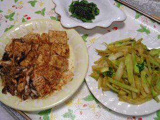 豆腐炒め、ブロッコリー茎炒め