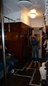 100124_08古い客車2