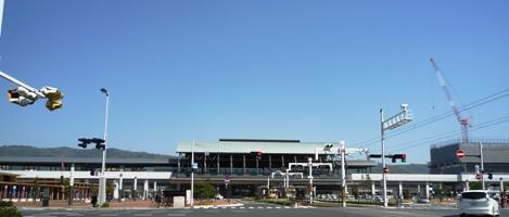 100403_02朝の高知駅1