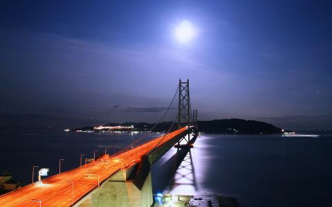 明石海峡大橋と満月の月明かり夜景/ティオ舞子