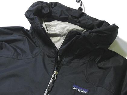 パタゴニア/Patagonia Rain Shadow Jacket(巻いたフード)