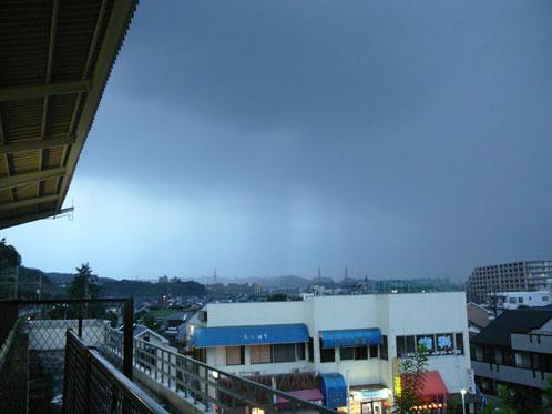 黒い雨の帯