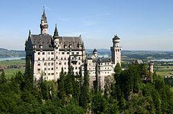 250px-Castle_Neuschwanstein.jpg