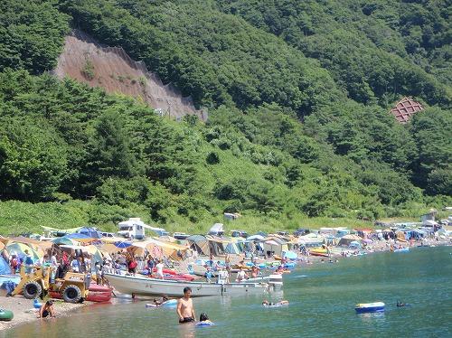 栖湖 場 本 キャンプ