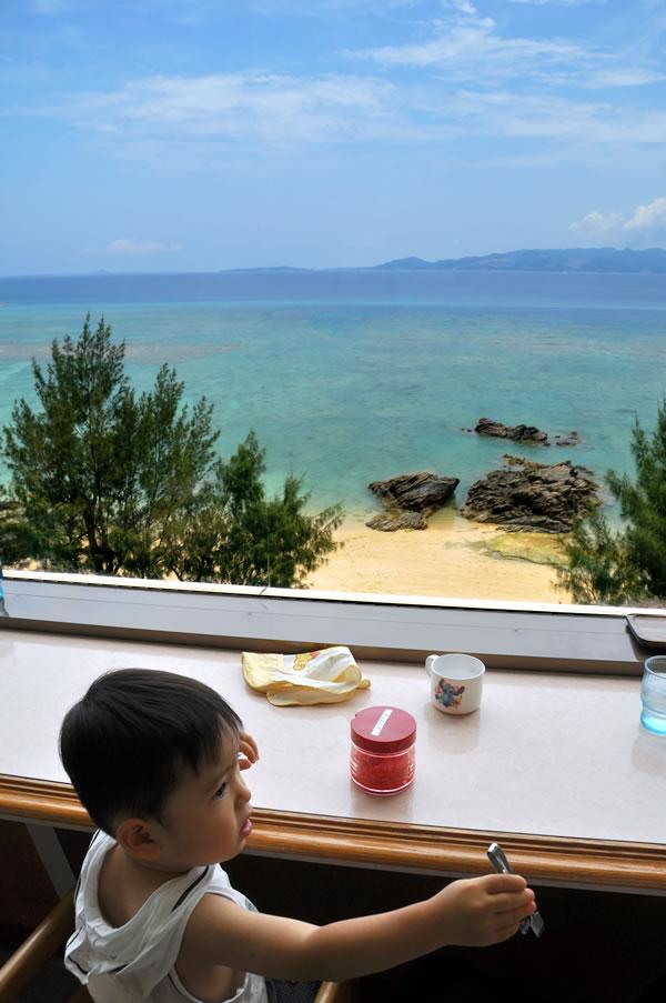 海の見えるレストラン03