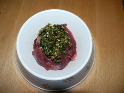 牛生肉ご飯