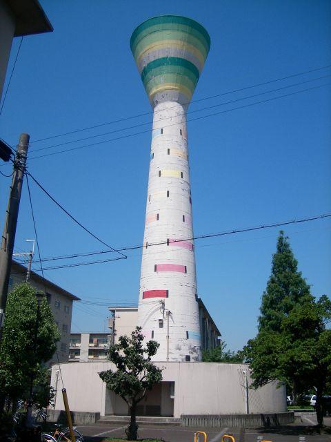 大阪府営門真住宅の給水塔3