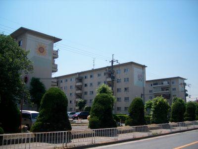 大阪府営門真住宅の住棟壁画
