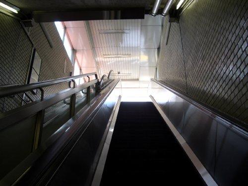 2.地下鉄九段下4番出口