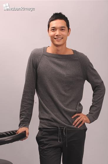2009グレーのセーター-1