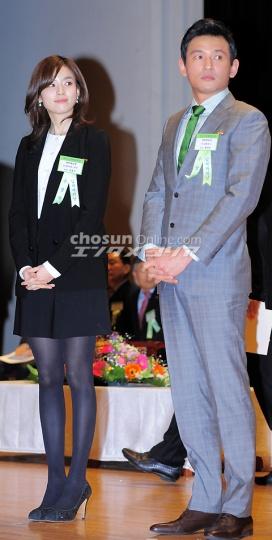 ヒョジュちゃん表彰20110303-3