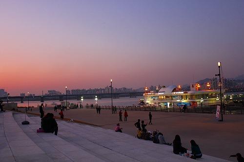 ⑫漢江 夜1