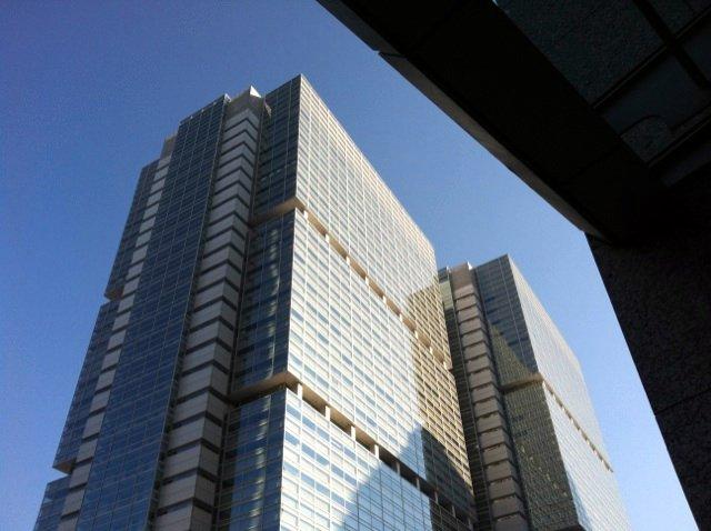 17スカイウォーク6左側のビル