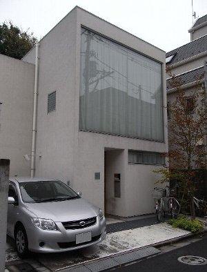 大窓の住宅