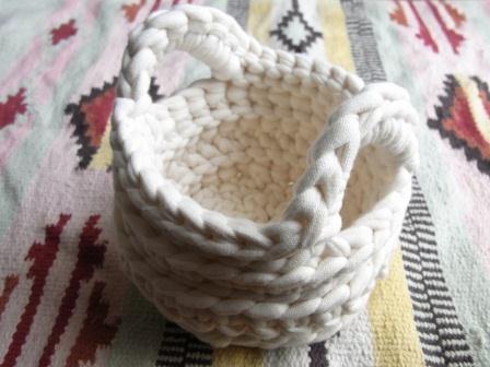 裂き編みかご