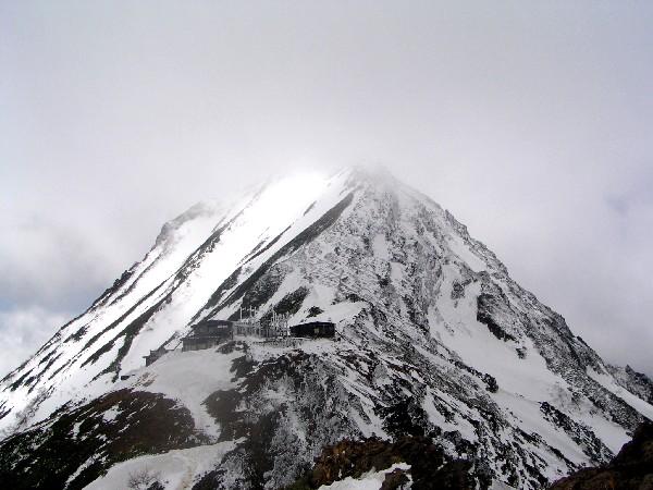 P5200029.JPG山頂を望む