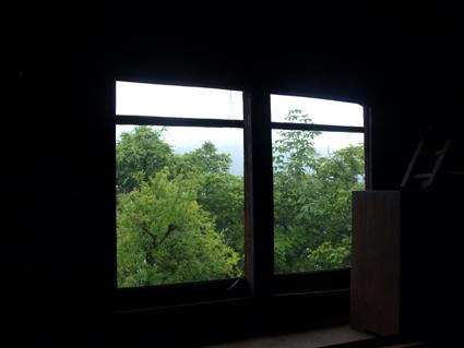 8窓が額縁