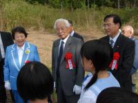 大塚名誉会長と堂本知事