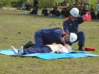 AEDによる心配蘇生法の実演