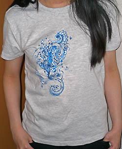花びらTシャツ