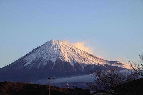 fuji101225-1.jpg