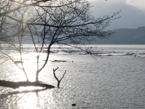 解氷前の屈斜路湖