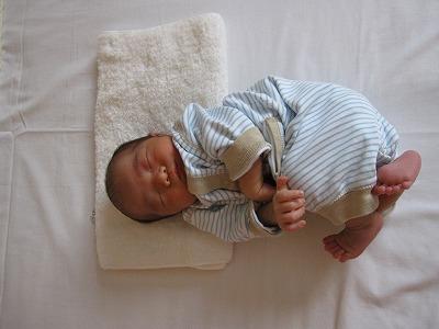 赤ちゃんの寝相1