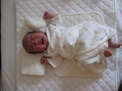 生後1ヶ月(泣き顔)