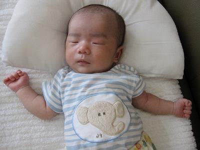 生後1ヶ月(寝顔)
