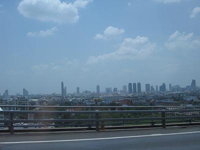 チャオプラヤ川から見るバンコク中心地