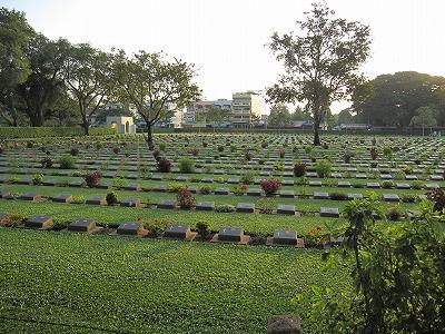 戦争墓地内1