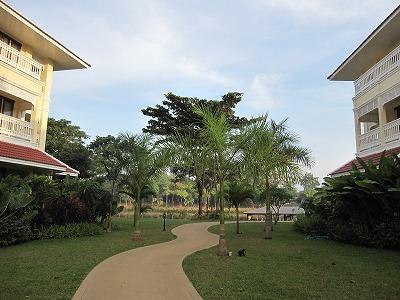ホテルの遊歩道1