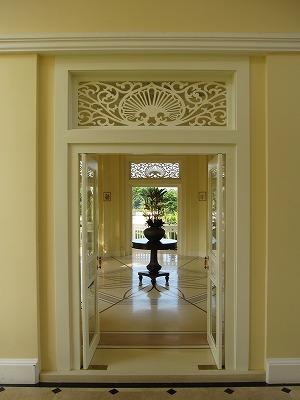 玄関ホール(小)の全景