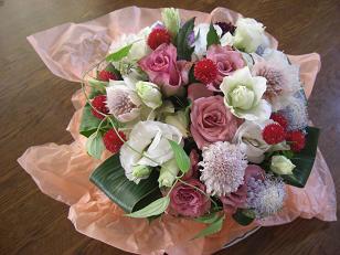 居間のテーブルの花