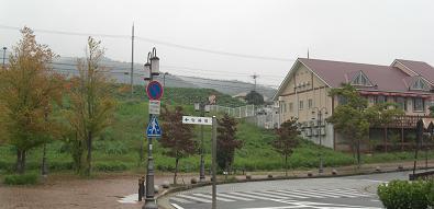近鉄電車・駅前081005