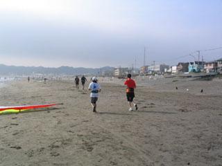 鎌倉⑦砂浜を走る